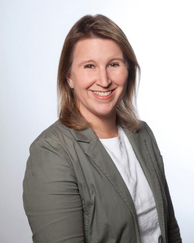 Dr. Lisa Bain